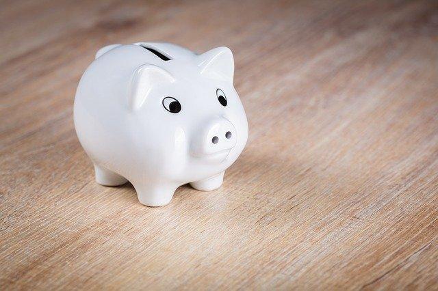 tip for saving money - spatula - money-saving 2020 - accordingtojo.com