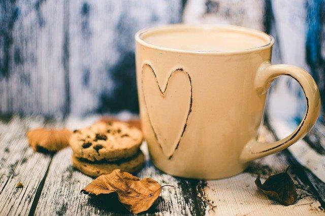 life tips - coffee mug with heart - accordingtojo.com